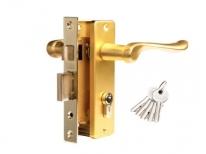 Комплект дверной: замок с 1 ригелем и защелкой, ключевой цилиндр (ключ/ключ), латунь мат.