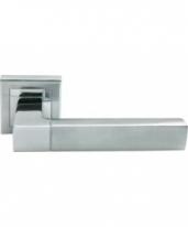 Ручка дверная на квадратной розетке Morelli Зеркальная гостиная, Хром матовый /Полированный Хром Mh-28 SC/CP-S