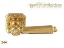 Ручка дверная на квадратной розетке Melodia Nike 246Q Полированная латунь