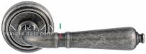 Ручка дверная на круглой розетке Extreza PETRA (Петра) 304  R01 Серебро античное F45