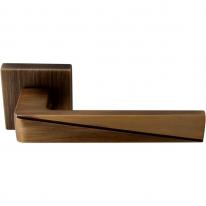Ручка дверная на квадратной розетке Forme Prisma Zn mod. 253 К матовая бронза / бронза