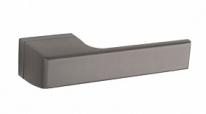Ручка дверная на квадратной розетке Tupai Melody Титан