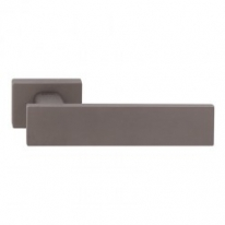 Ручка дверная на квадратной розетке Tupai Linha Q2 Титан