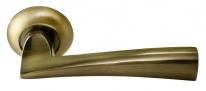 Ручка дверная на круглой розетке Rucetti RAP 18 AB Бронза античная