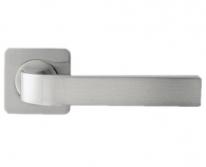 Ручка дверная на квадратной розетке Rossi Zante LD 200-F21 CS Хром матовый
