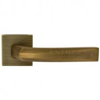 Ручка дверная на квадратной розетке Extreza Hi-tech ELIO 109 R11 Матовая бронза F03