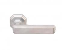 Ручка дверная на квадратной розетке Forme Fadex Themis 217 Хром матовый