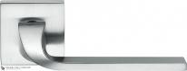 Дверная ручка на квадратной розетке COLOMBO Isy BL11RSB-CM матовый хром