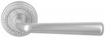 Ручка дверная на круглой розетке Extreza SANDRO (Сандро) 332 на розетке R02 матовый хром F05